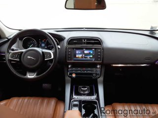 jaguar-f-pace-2-0d-i4-portfolio-awd-240cv-auto-lim-edition-motore-nuovo-10-000km-tagliandi-uff-jaguar-usato-2104