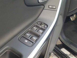 volvo-v60-d3-geartronic-r-design-autocarro-xenon-pelle-alcantara-navi-tagliandi-volvo-romagnauto-usato-2249