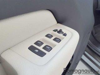 volvo-xc60-d4-awd-geartronic-inscription-full-led-pelle-navi-cerchi-19-tagliandi-uff-volvo-usato-2705