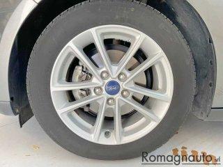 ford-focus-1-5-tdci-120-cv-s-s-sw-titanium-navi-cerchi-16-usato-2790